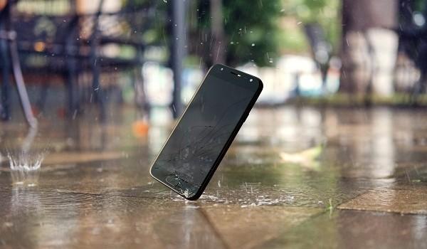 L'assurance mobile SFR couvre le vol, lacasse, l'oxydation et l'utilisation frauduleuse