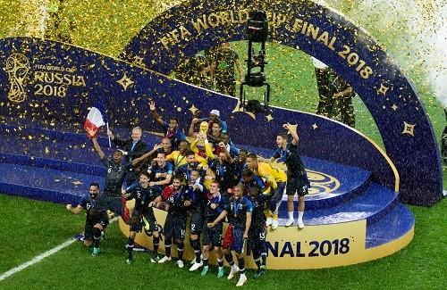 Si vous voulez voir du football à la TV, et notamment l'équipe de France, pas besoin d'abonnement, c'est sur TF1 et M6