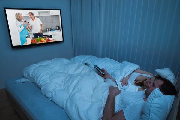 Une TV dans la chambre et une autre dans le salon pour satisfaire toute la famille !