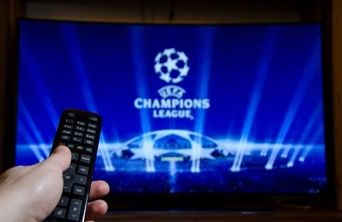 Pour regarder le foot à la télévision et la Ligue des Champions, c'est notamment sur Canal+