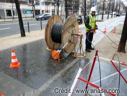 tirage de fibre opique dans la rue