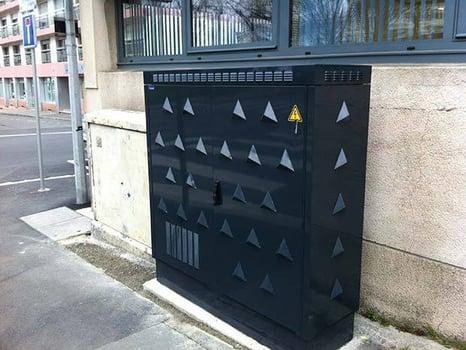 Les armoires de rues pour dispatcher la fibre optique dans les foyers du 92