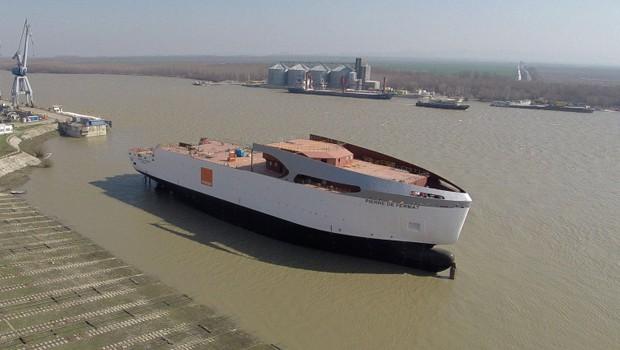 Le navire d'Orange Marine, le Pierre de Fermat, entrera en fonction en juillet 2014