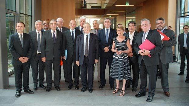 Les élus et acteurs du déploiement du THD en Auvergne…