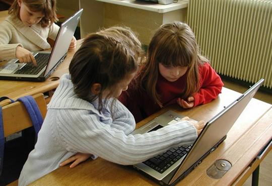 9000 écoles connectées par satellite