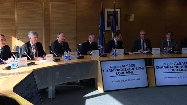 Philippe Richert, Président de la région Alsace Champagne-Ardenne Lorraine, Emmanuel Macron et les partenaires