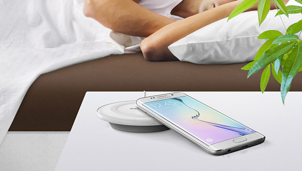 MWC 2015 Samsung : chargement rapide et sans-contact