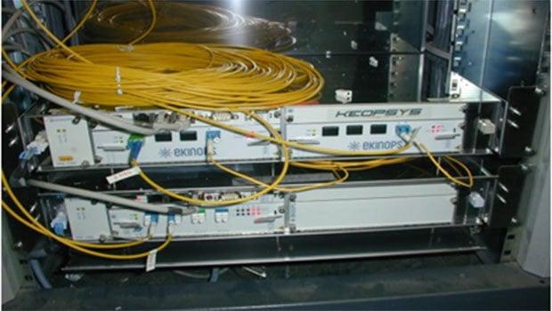 Amplificateur de signal optique hybride Raman/EDFA