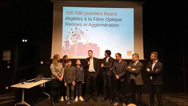 Pierre Jacobs, Mickaël bouloux et Emmanuel Couet avec une famille fibrée du Rheu