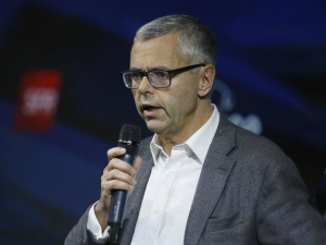 SFR annonce une offre satellite