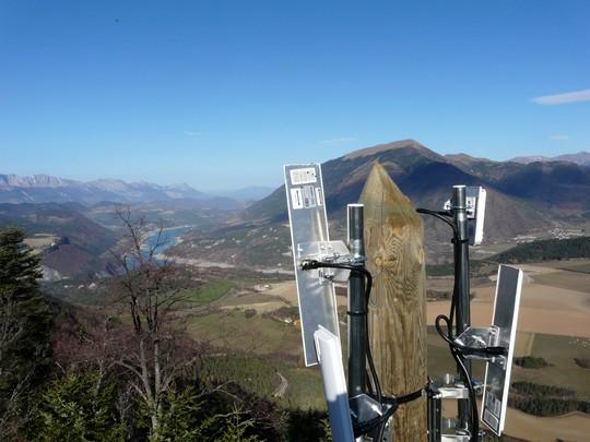 Relais Wifi Alsatis dans une commune de l'Isère