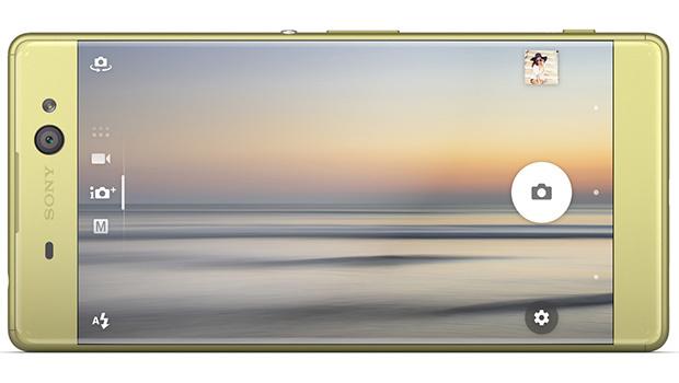 Un écran immense parfait pour partager film, photos et contenus avec ses proches