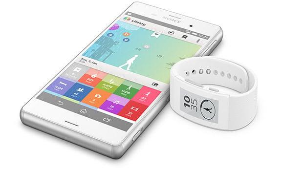 Sony Xperia Z3 et SmartBand Talk SWR30
