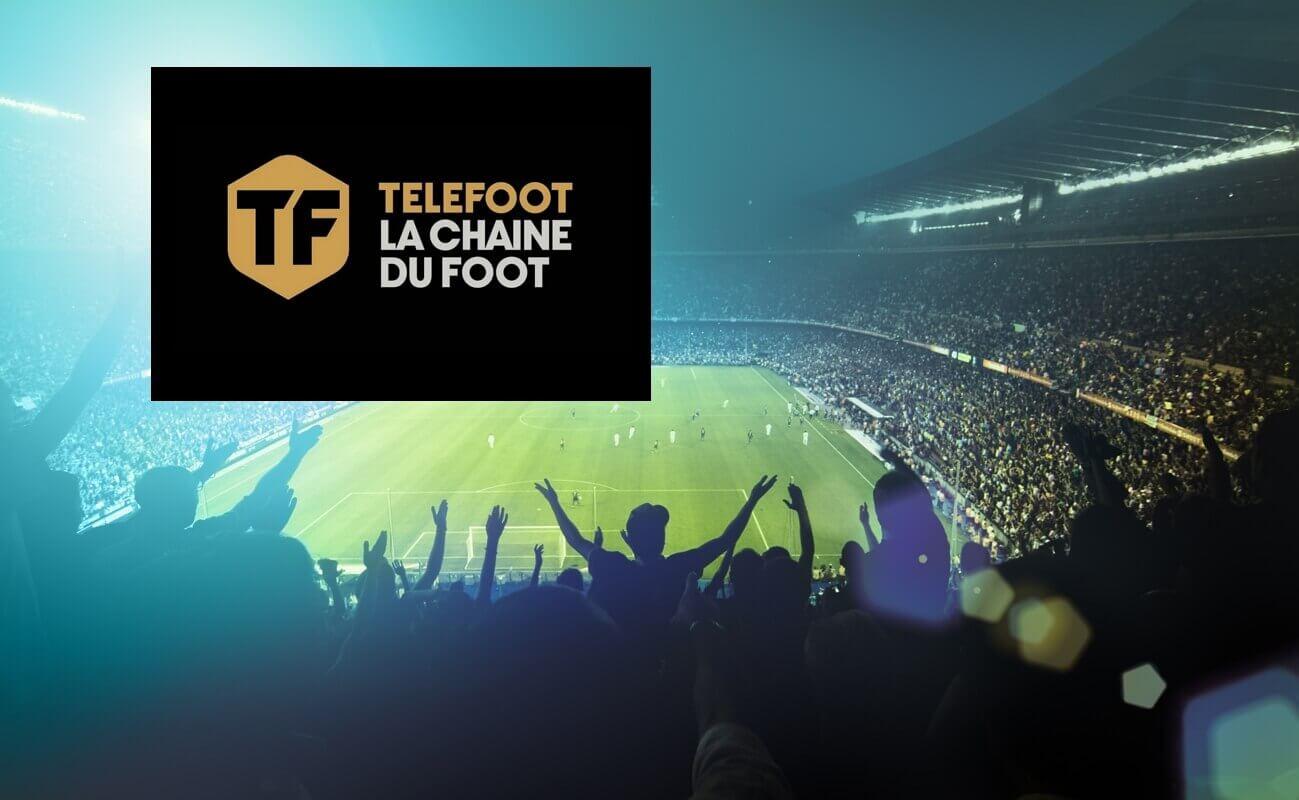 Logo de la chaîne Telefoot sur fond d'un matche de football