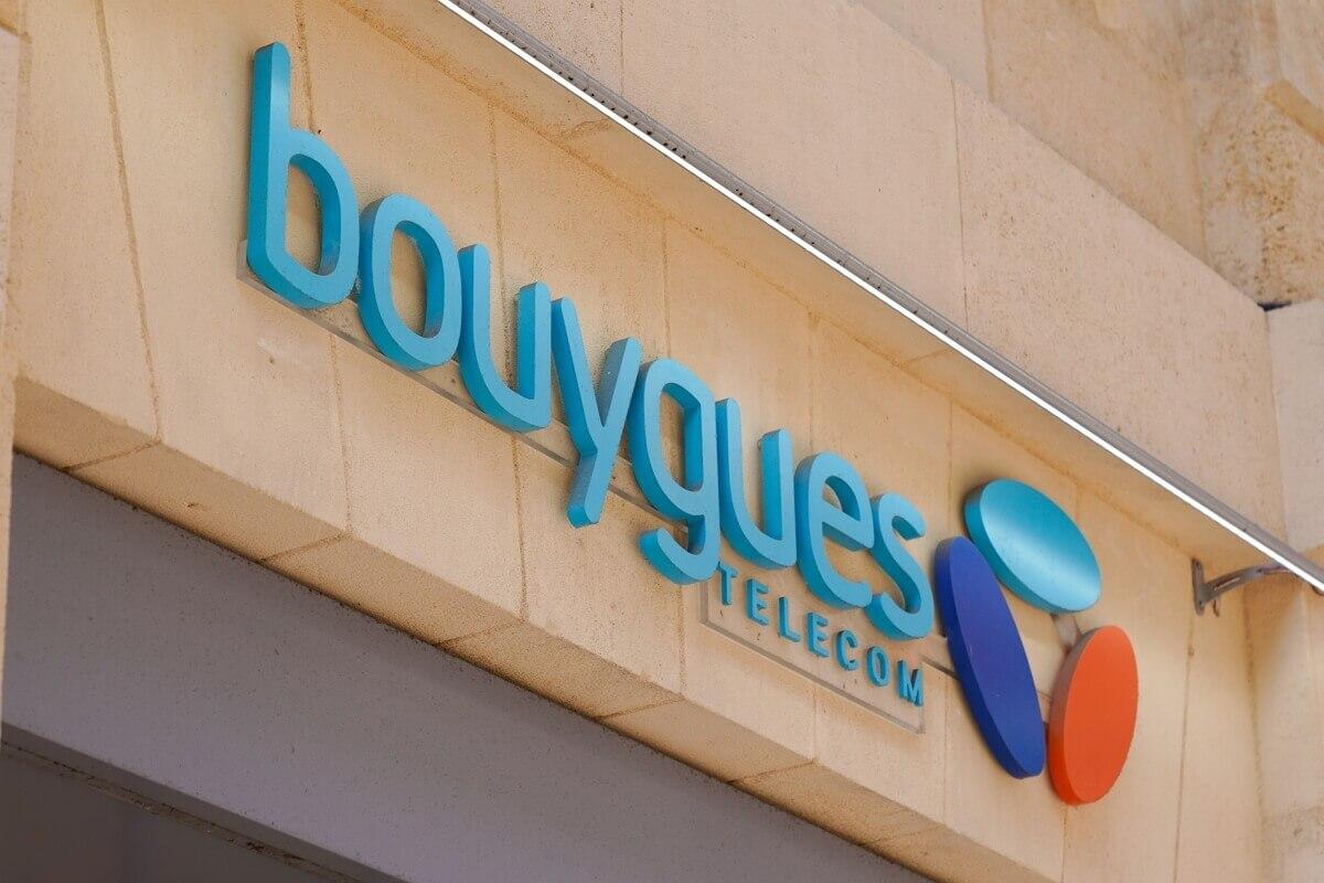 Enseigne d'un magasin Bouygues Telecom