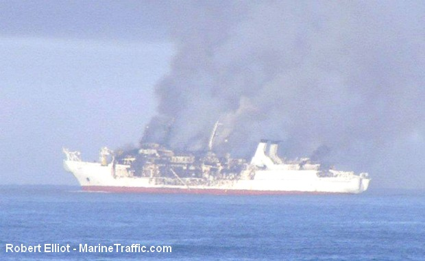 Le navire câblier Chamarel est en feu au large de la Namibie