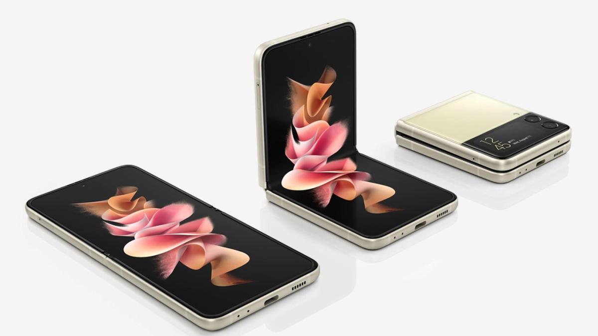 Dernier sorti de la famille des Galaxy Z, le Galaxy Z Flip3 5G est un véritable bijou de technologie.